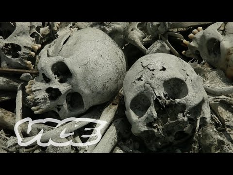 Living Amid Graves & Bones: The Philippines' Cemetery Slums