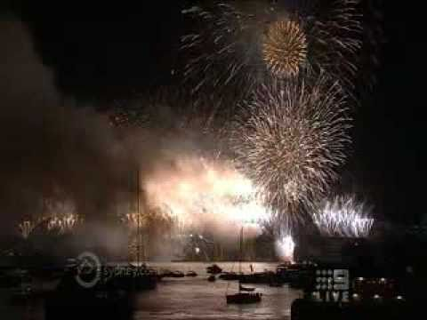 Sydney Australia New Years Eve 2010 / 2011 Fireworks  -  Televised