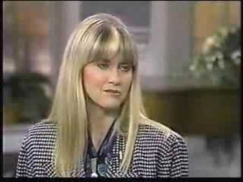Download Olivia Newton-John Regis & Kathie interview 1989
