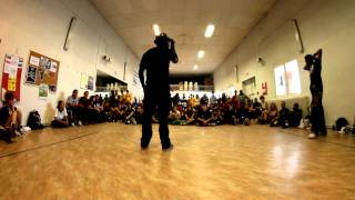 "Battle Popping ""Shake Your Pants 2011"" - Rogé Vs Panda - Best 8"