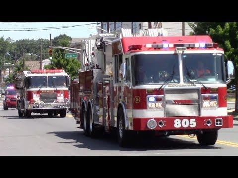 Fire Trucks Responding Compilation - Best Of 2017