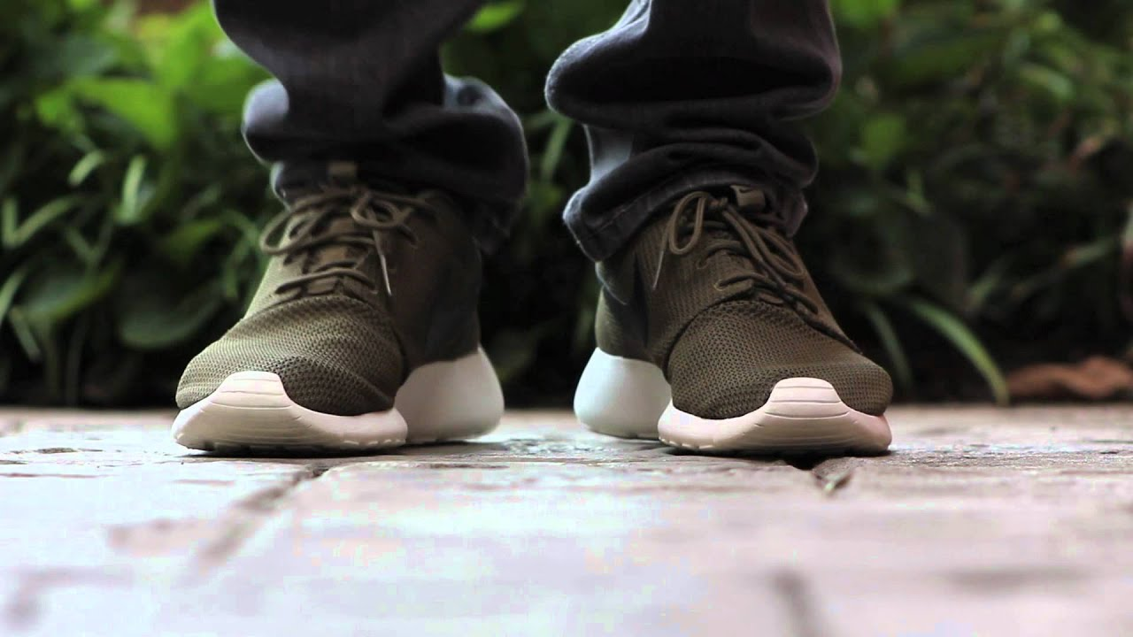 d969ed289cf7 Quick Look  Nike Roshe Run - Iguana - YouTube