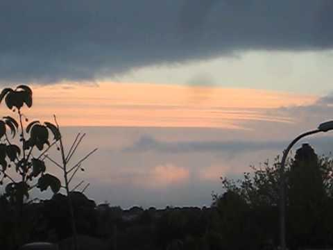Huge ufo cloud ship
