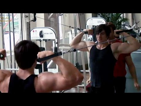 Brandon Routh Workout 'Superman Returns' Featurette
