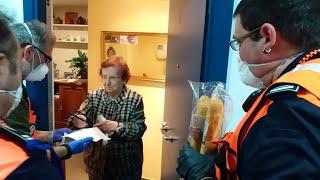Voluntarios hacen compras para los más vulnerables en Errenteria