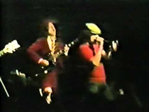ACDC  Hells Bells  at Tokyo 81 better audio