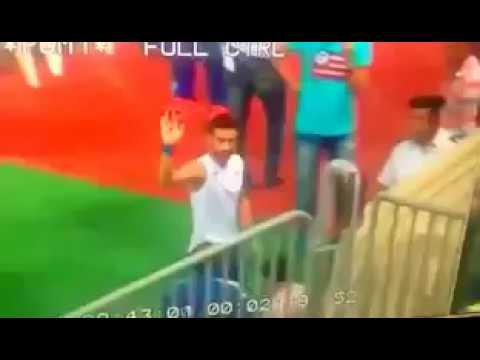 +18 باسم مرسي يوجه إشارة خارجة لجماهير الأهلى عقب الخسارة فى مباراة القمة 2017 BASSEM-MORSY