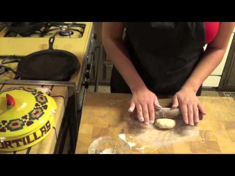 How to make Homemade Flour Tortillas -Comidas de mi Familia (Foods from my Family)