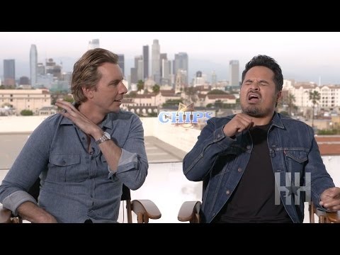 Michael Peña And Dax Shepard Break Down The Best And Worst Karaoke Songs