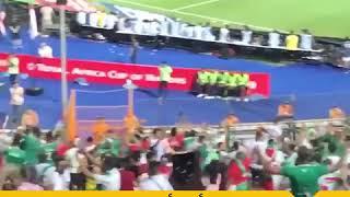 🇪🇬 رغم التشديدات الأمنية.. هتافات أبوتريكة تهز استاد القاهرة بالدقيقة 22 من مباراة الجزائر ونيجيريا