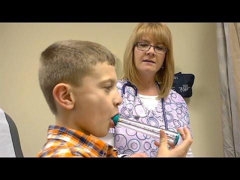 Young asthma patient reclaims life with help of Loyola allergist