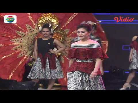 Fashion Show by Ivan Gunawan (D'Academy Asia 2 Social Media Award)