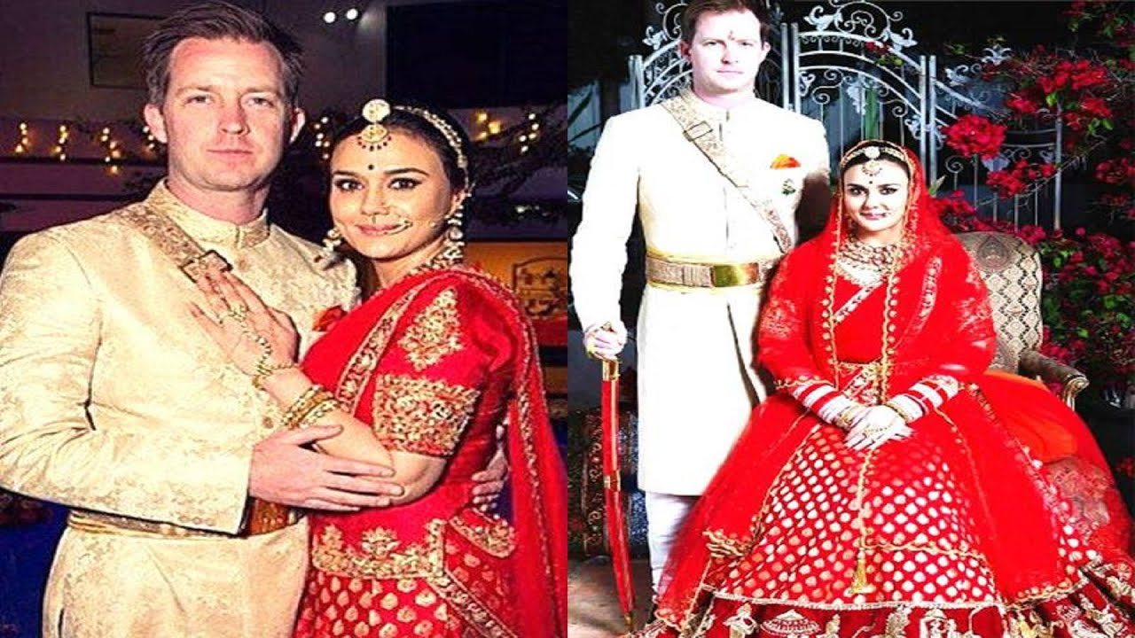 Preity Zinta's Wedding Pictures Leaked ! - YouTube