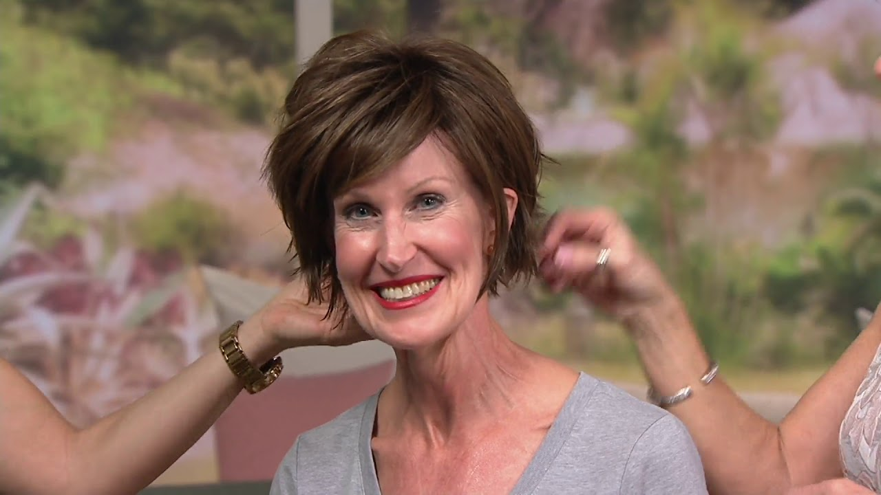 Toni Brattin Trendsetter Whispy Cut Wig On Qvc Youtube