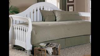 white wooden daybeds with trundle