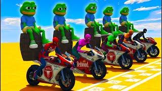 MOTOS NA CORRIDA COM DUPLAS! HOMEM ARANHA E PEPE THE FROG SENTADO NO BARRIL! MOTORCYCLE (MEME)