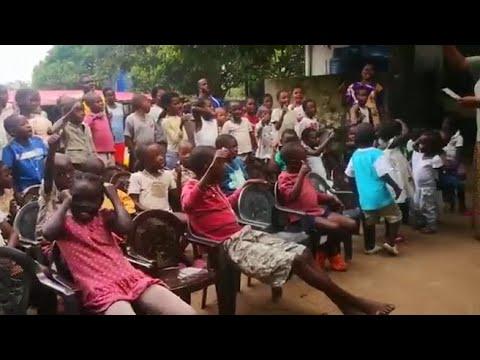 «Forza Italia, siamo con voi», l'incitamento dall'orfanotrofio in Malawi