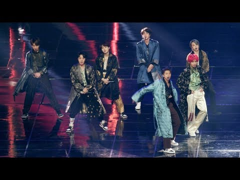 방탄소년단 (BTS) Full Ver. (Intro + fake love + Airplane pt.2 + IDOL )[4K 60P RAW 직캠]@181201 락뮤직