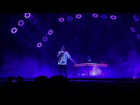 The Chainsmokers Live Memories Tour Toronto: Honest