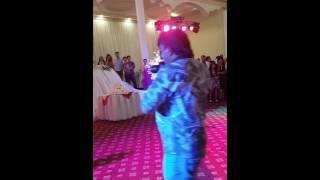 Подарок жениха невесте на свадьбе супер вокал