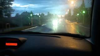 یک شب بارانی در خیابان های شهر