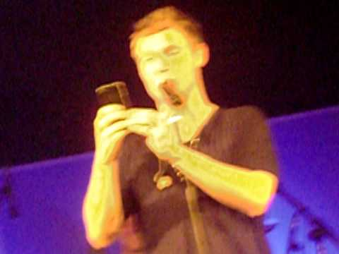 Nick Carter live in Hamburg 09.05.2011 - Nick recording us for twitter