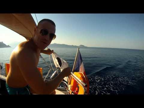 Traversée Corse  a la voile 2015 avec dauphins