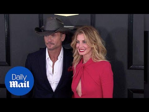 Faith Hill Is Red Hot As She Joins Tim McGraw At 2017 Grammys - Daily Mail