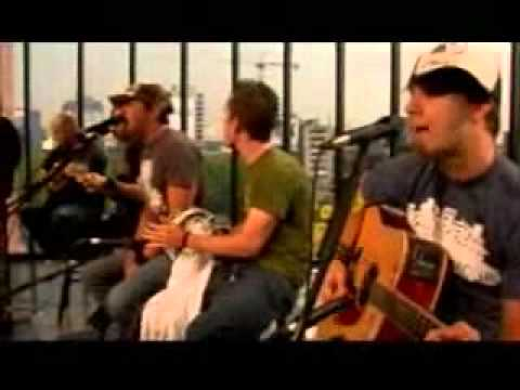 Simple Plan - Shut Up Live On MTV Mexico
