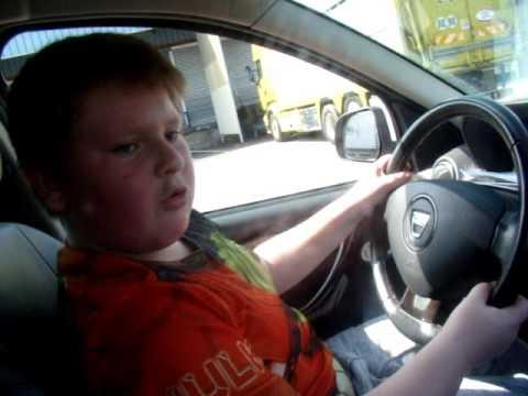 MARIUS  petit gars de 8 ans qui conduit tout!!!  legaminroutierdu13