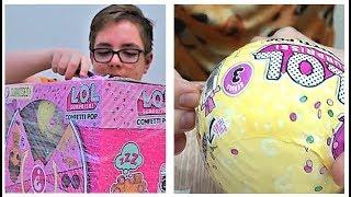 Лева открывает ЛОЛ КОНФЕТТИ ! Новая 3 серия игрушек LOL для детей !