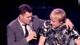 Michael Buble duets with 15 year old boy (Sam Hollyman) -  Feeling Good