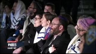 NYPD Cops Arrest Rabbis Protesting Trump Travel Ban