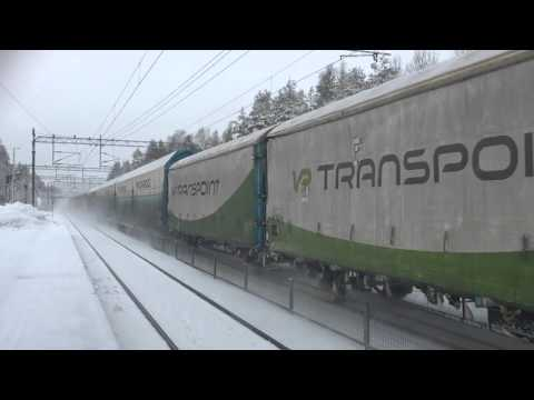 [VR Transpoint] class Sr2 locomotive taking the freight train nr. T3764...