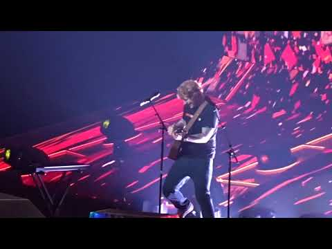 Ed Sheeran - Sing (Live Dallas, TX at American Airlines Center August 18, 2017)