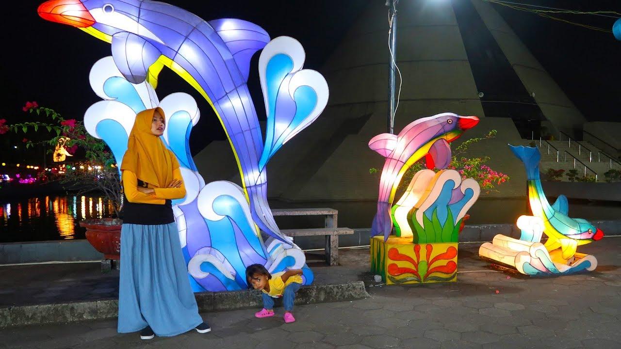 Taman Pelangi Jogja Warna Warni Lampu Lampion Youtube