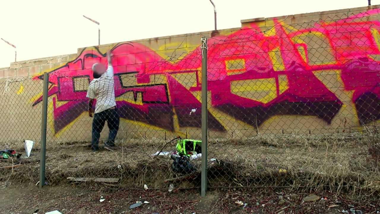 Esteh x los angeles graffiti hd youtube esteh x los angeles graffiti hd voltagebd Image collections