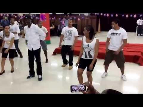 Dancers from Madagascar perform at Hunan  University