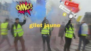GROSSE BAGARRE CARREFOUR FRAPPE LES GILET JAUNE