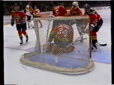 Philadelphia Flyers Lindros 3rd NHL season Goals 5 6 7 8 9 10 11 5th Hat Trick 1994-95 Fight TKO