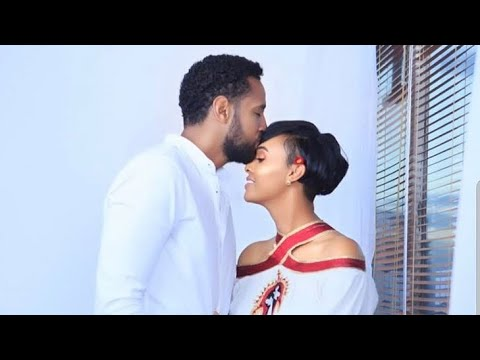 Ethiopian artist Henok and actress Melat ሄኖክ ሜላትን የጋብቻ ጥያቄ ሲጠይቅ