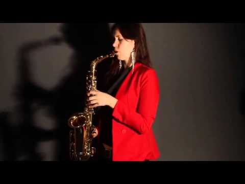 Lady Saxophonist -  WOW Entertainers