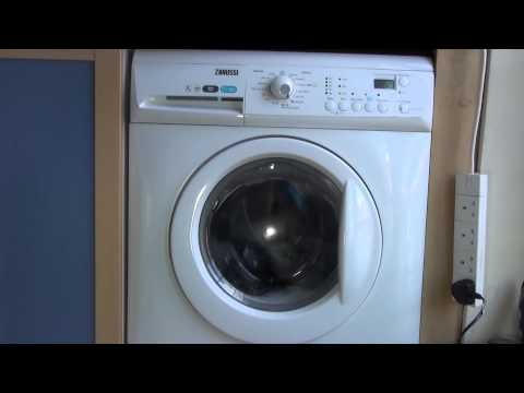 Zanussi Aquafall ZWHB7160 : Delicates QUICK 30'c wash tumbles (1 of 5)