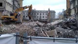 Промышленный демонтаж зданий и сооружений(Демонтаж сборного железобетона в сложных условиях. Демонтаж и дробление бетона. Демонтаж и измельчение..., 2014-01-15T10:10:59.000Z)