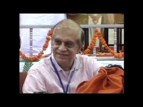 Swami Dayanand Saraswati introduces Rajiv Malhotra at The Hindu Dharma Acharya Sabha, 07 Nov 2012