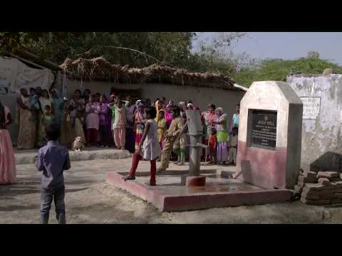 TIME-LAPSE - Asian village using a Jesus Well