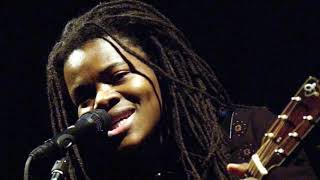 Watch Tracy Chapman If These Are The Things video