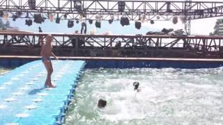Anak-anak Berenang Dekat Panggung Apung Danau Toba (KKPDT 2016)