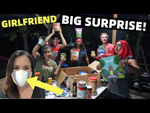 MY GIRLFRIEND AND A BIG SURPRISE – Filipino Family Unboxing By The Beach (Davao, Mindanao)