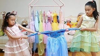 LoveStar both want same dress / Fantastic Family pretend play with funny toys
